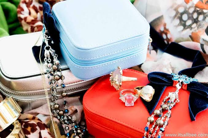 Travel Jewellery Cases – Protection on the run